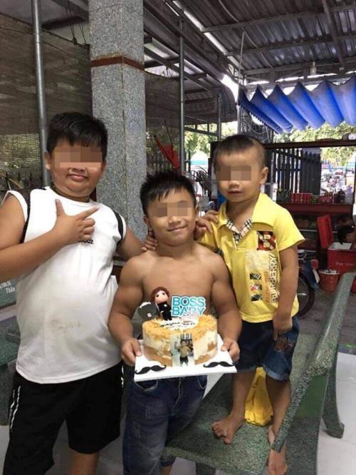 Hoang bocah superman