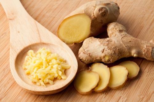 Kencur bisa dibikin sebagai ramuan jamu serta obat alami untuk membantu mengatasi berbagai macam penyakit.