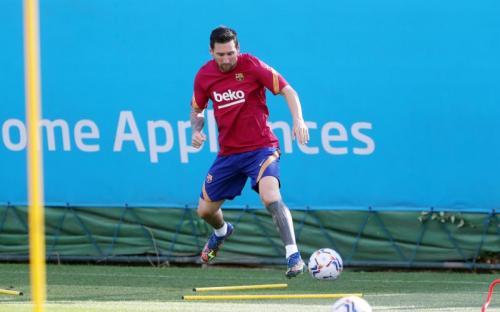 Lionel Messi sudah mulai berlatih (Foto: Twitter/@FCBarcelona)