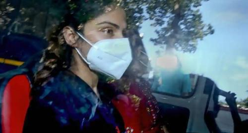 Aktris Rhea Chakraborty resmi ditahan atas kasus dugaan narkoba. (Foto: PTI)