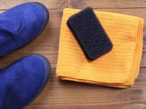 Merawat Tas dan Sepatu