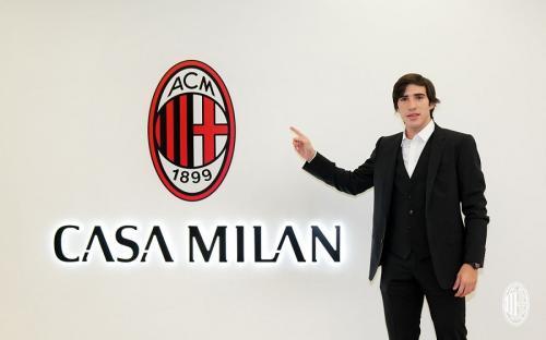 Sandro Tonali direkrut AC Milan (Foto: AC Milan)
