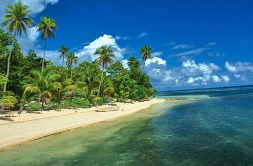 Pantai Anamo