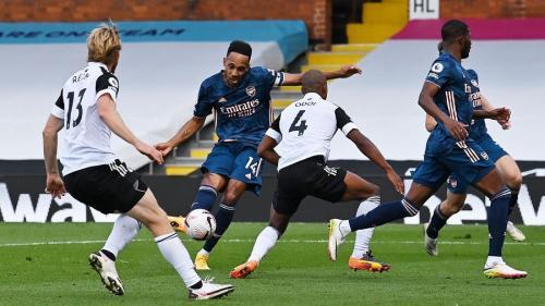 Suasana laga Fulham vs Arsenal