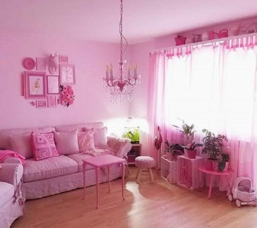 ruang tamu merah muda