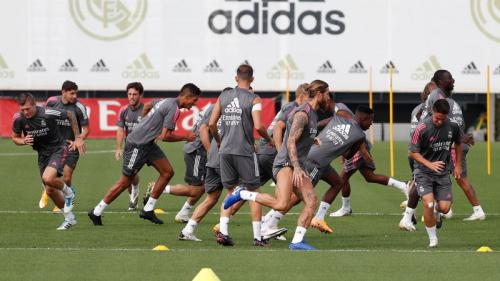 Para pemain Real Madrid saat latihan