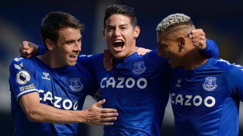 Everton tengah melambung tinggi
