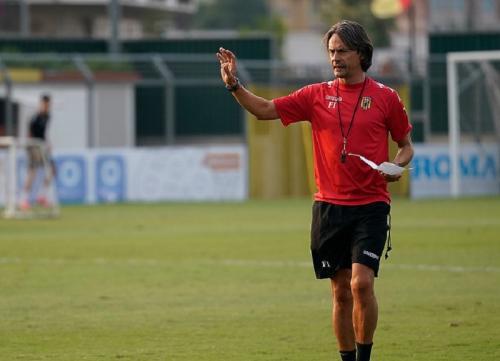 Filippo Inzaghi kini melatih Benevento (Foto: Benevento)