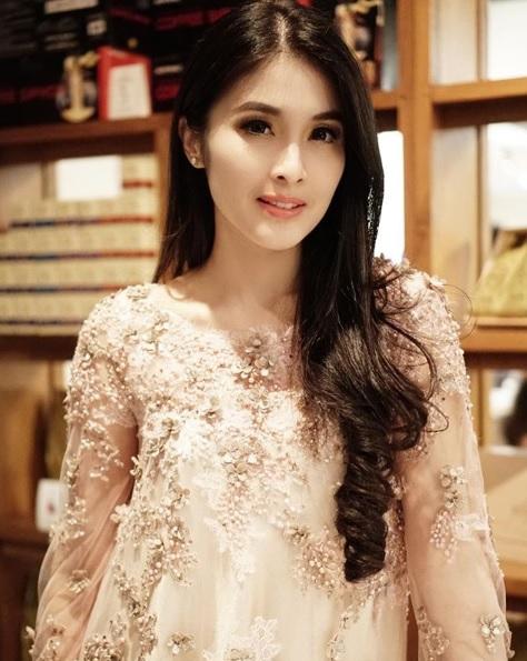 Sandra Dewi.