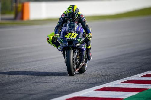 Valentino Rossi melaju di Sirkuit Catalunya (Foto: Yamaha MotoGP)