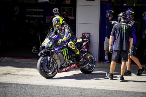 Valentino Rossi bersiap masuk lintasan (Foto: Yamaha MotoGP)
