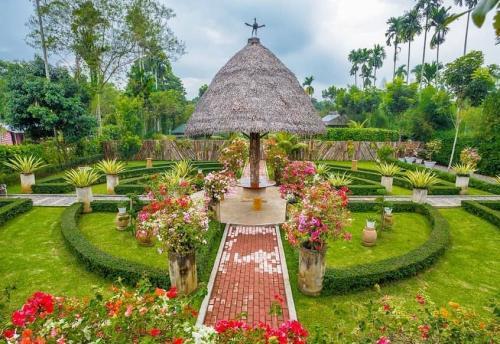 The Hu Garden