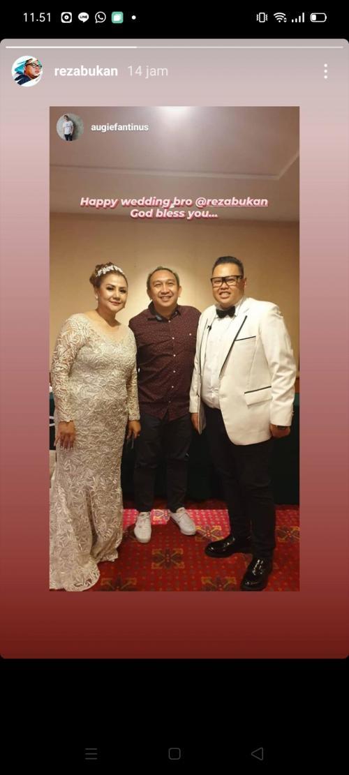 Pernikahan Reza Bukan