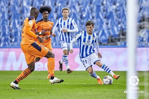 David Silva vs Valencia (Foto: Twitter/@LaLigaEN)