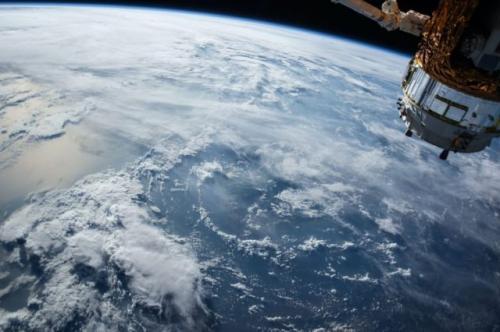 Luar angkasa. (Foto: NASA/Unsplash)