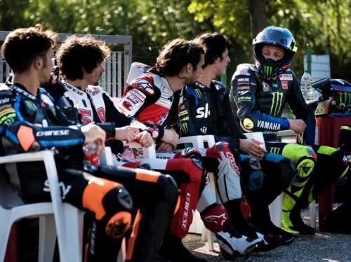 Valentino Rossi dan para pembalap akademi VR46