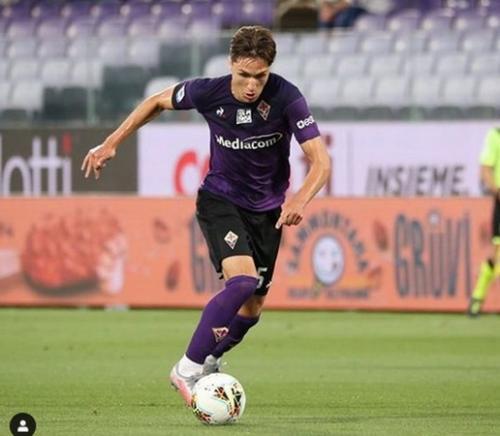 Federico Chiesa dilepas Fiorentina (Foto: Instagram/@fedexchiesa)
