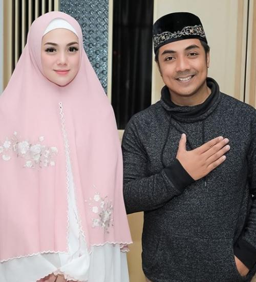 Celine Evangelista dan Ustadz Riza Muhammad.