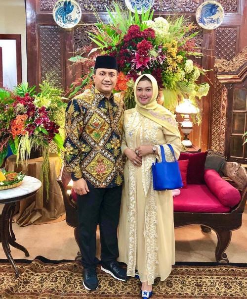 Bella Saphira dan suami