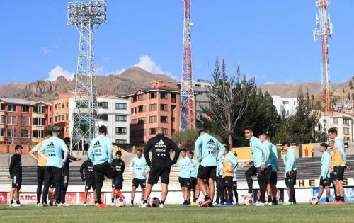 Timnas Argentina berlatih di Bolivia (Foto: Twitter/@Argentina)