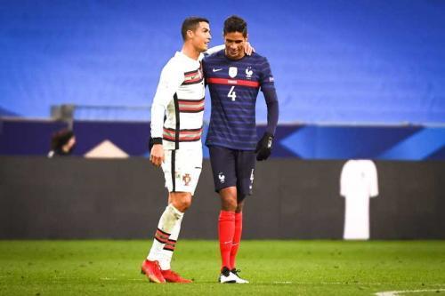 Cristiano Ronaldo dan Raphael Varane