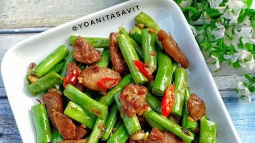 Sebagian orang cenderung memasak makanan yang mudah dibuat dan cepat disajikan.
