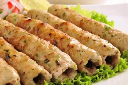 Kebab merupakan makanan yang banyak dijumpai di daerah Timur Tengah, Asia Selatan, Asia Tenggara hingga di Afrika.