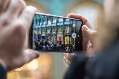 Smartphone. (Foto: Angela Compagnone/Unsplash)