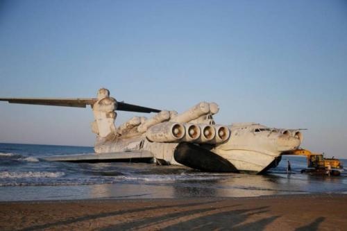 Saking besarnya pesawat ini, ia dikenal sebagai Monster Laut Kaspia.