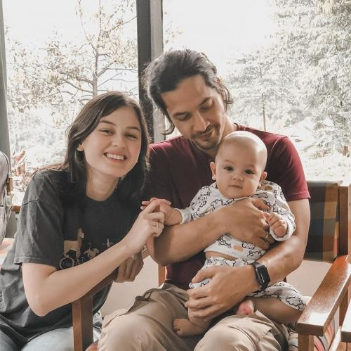 Kimberly Ryder dan keluarga.
