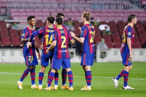 Suasana laga Barcelona vs Ferencvaros