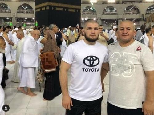 Khabib Nurmagomedov bersama sang ayah