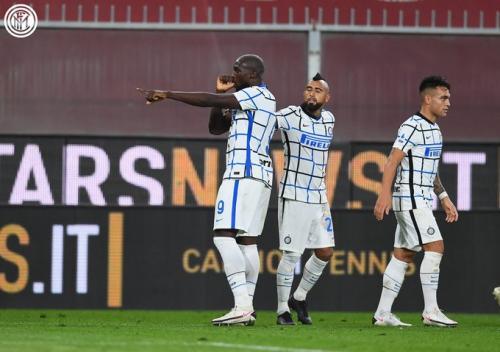 Suasana laga Genoa vs Inter Milan