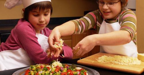 Ilustrasi anak memasak. (Foto: Imgkid)