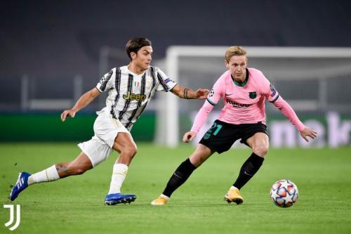 Aksi De Jong di laga Juventus vs Barcelona