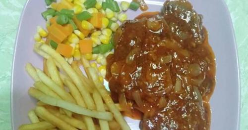 Anda tidak perlu pergi ke restoran mahal untuk menyantap steak.