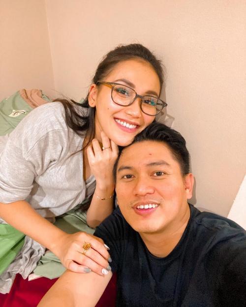 Ayu Ting Ting dan Adit Jayusman. (Foto: Instagram/@ayutingting92)