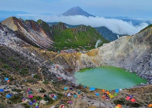 Kawah Gunung Sibayak