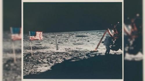 Foto langka Neil Armstrong di bulan. (Foto: Christie Images/Fox News)