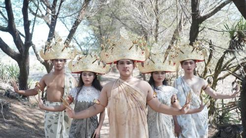 Pertunjukan tari Sigegh. (Foto: Galeri Indonesia Kaya)