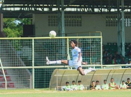 Ronaldo Kwateh bermain untuk Persib Bandung U-16 (Foto: IG/@ronaldokwateh7)