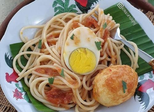 Saat ini masyarakat Indonesia sudah semakin lekat dan menyukai berbagai resep spaghetti.