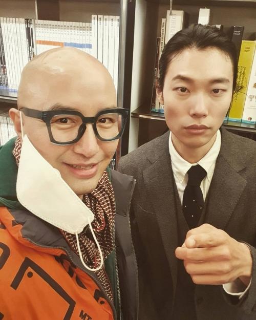 Ryu Jun Yeol dan Hong Suk Chun.