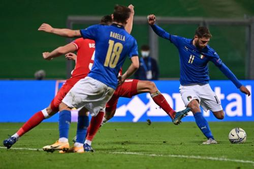 Suasana laga Italia vs Polandia