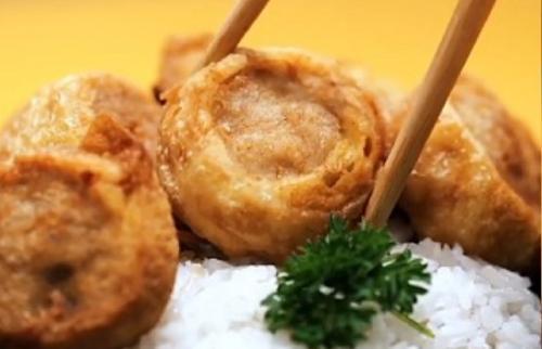 Egg Chicken Roll, salah satu hidangan favorit restoran ala Jepang.