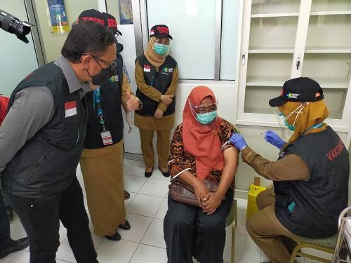 Bima Arya tinjau simulasi vaksinasi Covid-19 (Foto : Okezone.com/Putra RA)