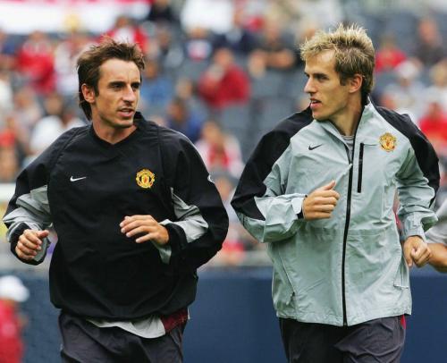 Gary dan Phil Neville