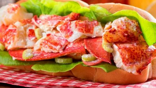 Lobster Roll Amerika Serikat. (Foto: Taste Atlas)
