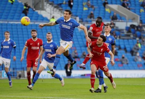 Suasana laga Brighton vs Liverpool