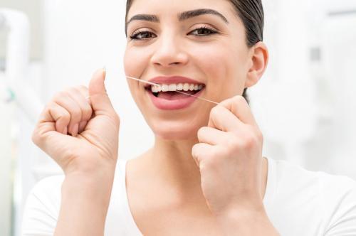 Ilustrasi gigi putih.